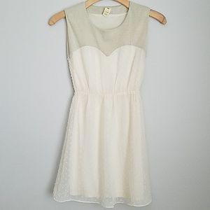 {Francesca's} Off-White Dress